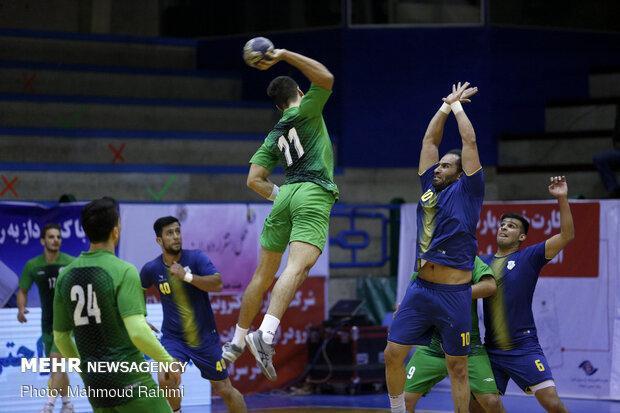 پیروزی قاطع کازرون برابر دشتستان، منجیری: به فکر قهرمانی هستیم